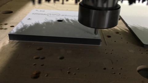 Гравировка компакт ламината